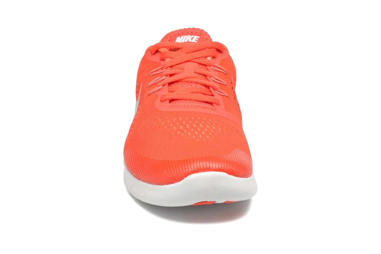 Baskets Nike Nike Free Rn (Gs) Orange vue portées chaussures