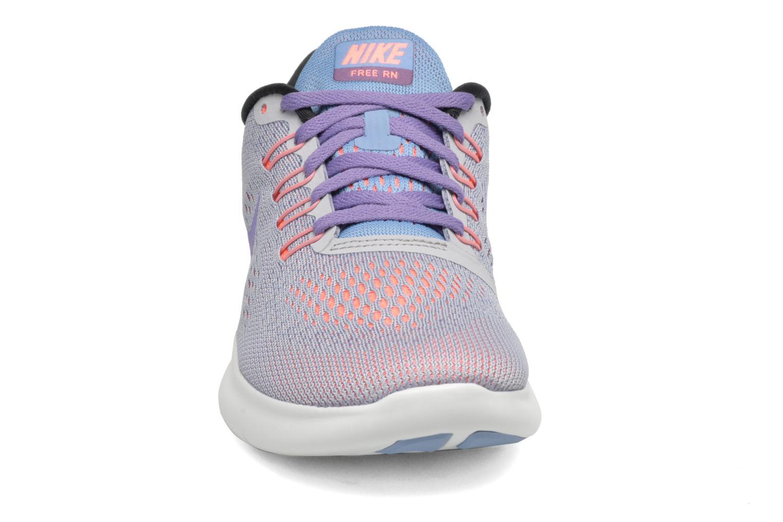 Zapatillas de deporte Nike Wmns Nike Free Rn Gris vista del modelo