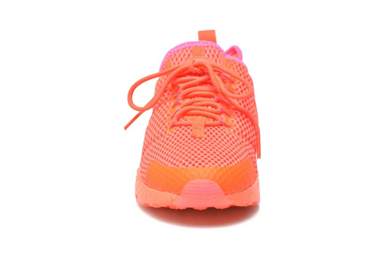 Deportivas Nike W Air Huarache Run Ultra Br Naranja vista del modelo
