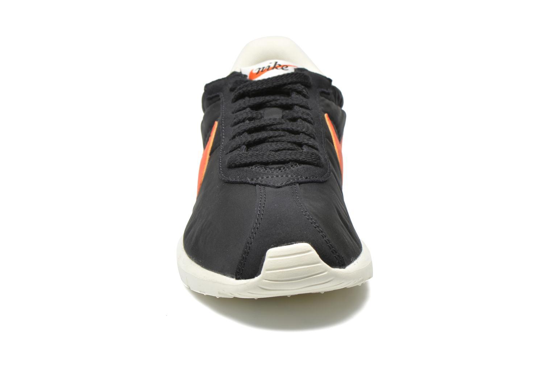 Deportivas Nike Nike Roshe Ld-1000 Negro vista del modelo
