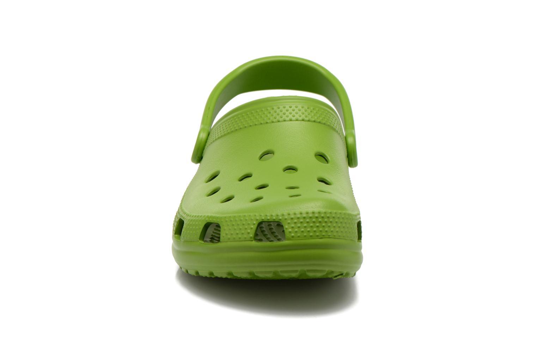 Sandalen Crocs Classic H grün schuhe getragen
