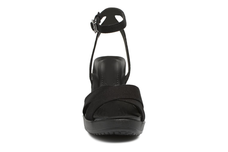 Sandali e scarpe aperte Crocs Leigh II Ankle Strap Wedge W Nero modello indossato