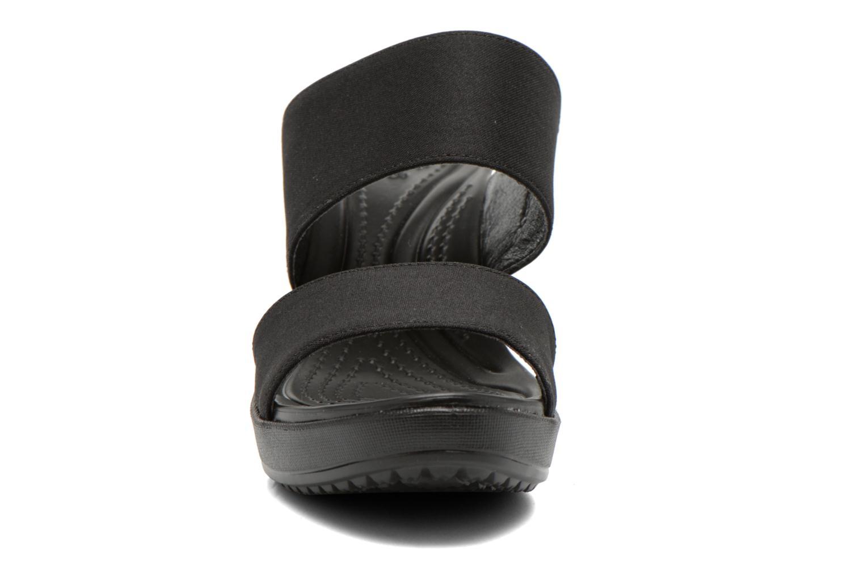 Mules et sabots Crocs Leigh II 2-strap Wedge W Noir vue portées chaussures
