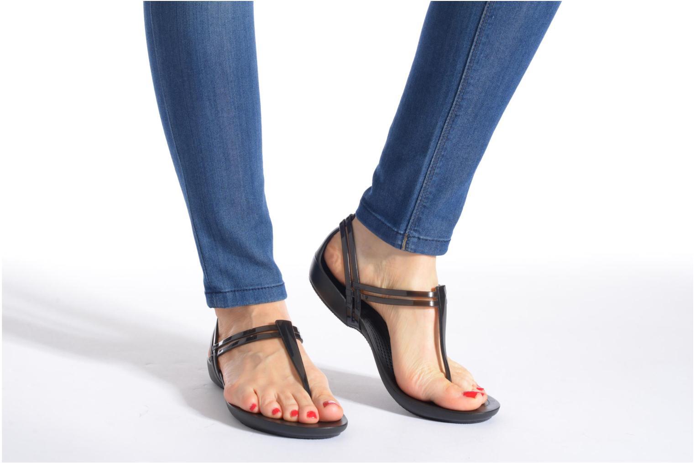 Sandales et nu-pieds Crocs Crocs Isabella T-strap Noir vue bas / vue portée sac