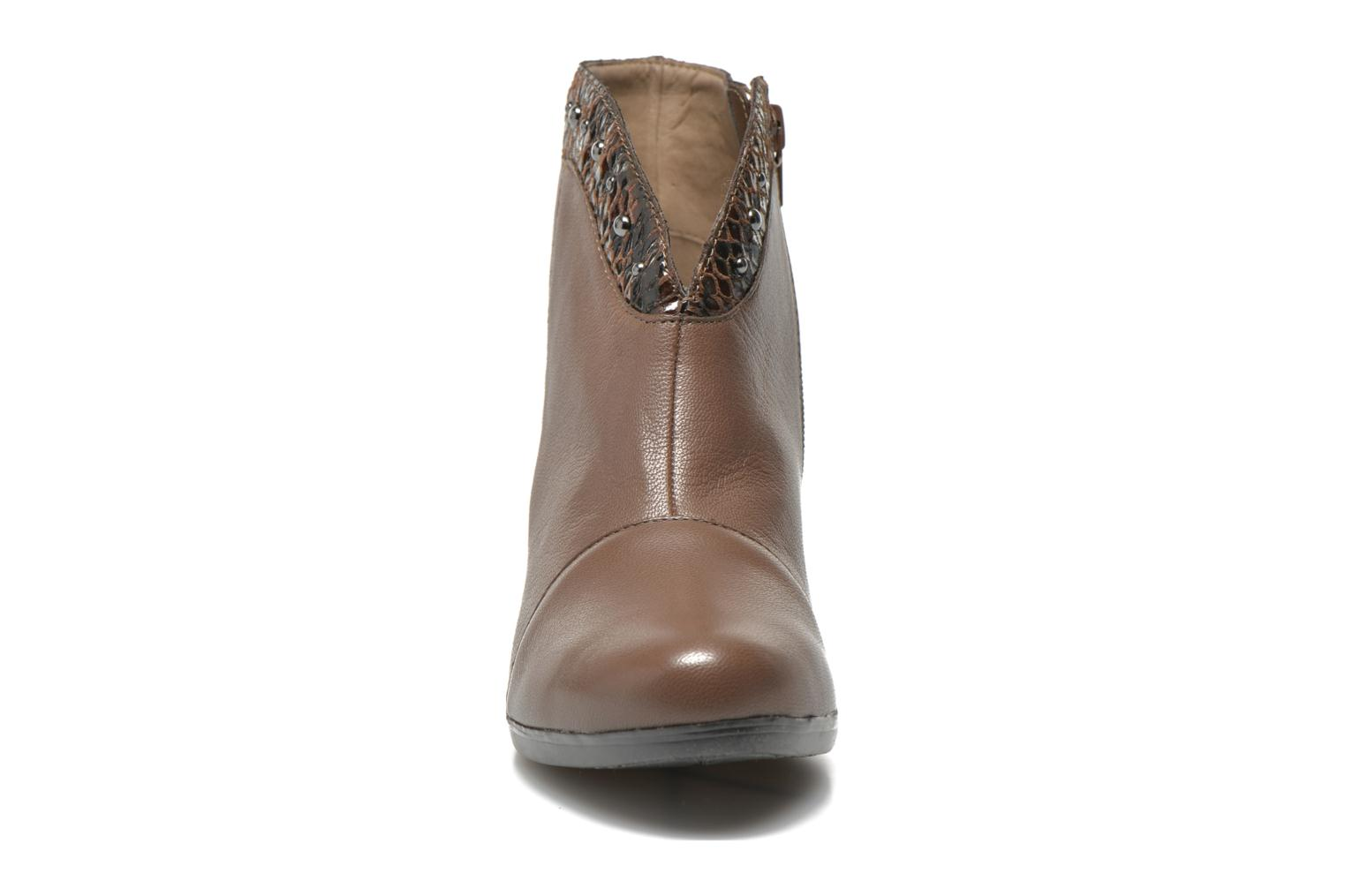 Ankle boots Sweet Tuiter Brown model view