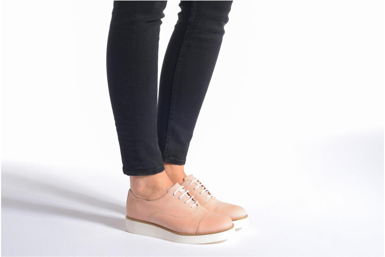Chaussures à lacets Aldo Ocayria Marron vue bas / vue portée sac