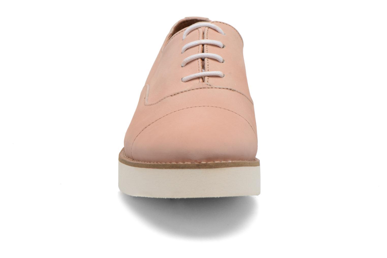 Zapatos con cordones Aldo Ocayria Rosa vista del modelo