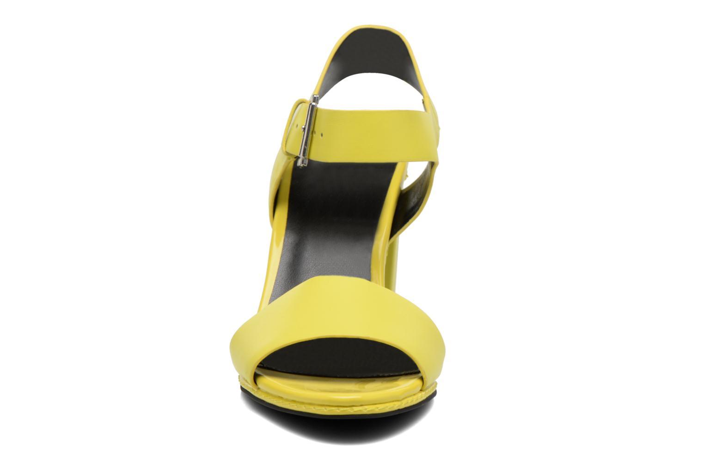 Sandales et nu-pieds Aldo Onaosen Jaune vue portées chaussures