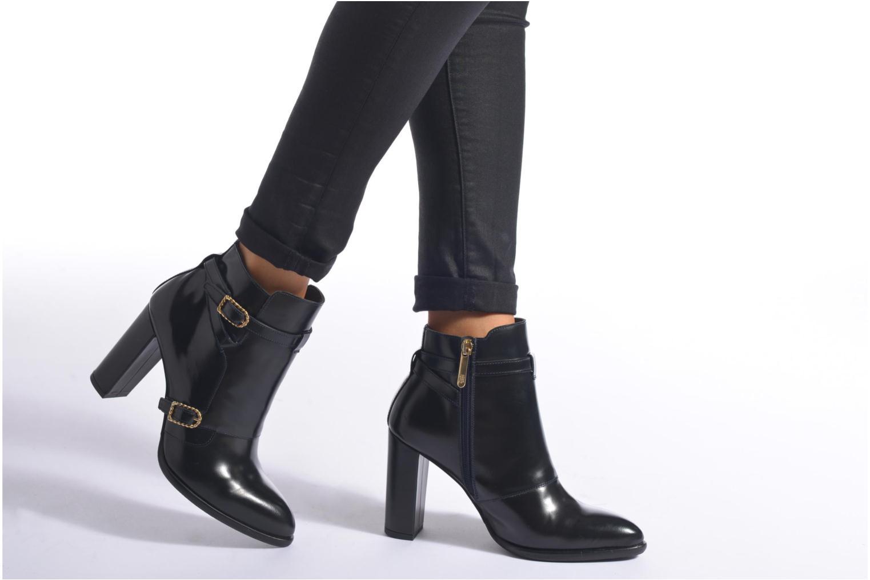 Bottines et boots Tommy Hilfiger GIGI NAUTICAL BOOTIE Bleu vue bas / vue portée sac