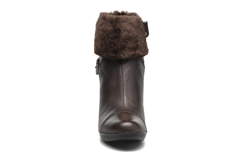 Bottines et boots Geox D INSPIRAT.ST. C D64G9C Marron vue portées chaussures