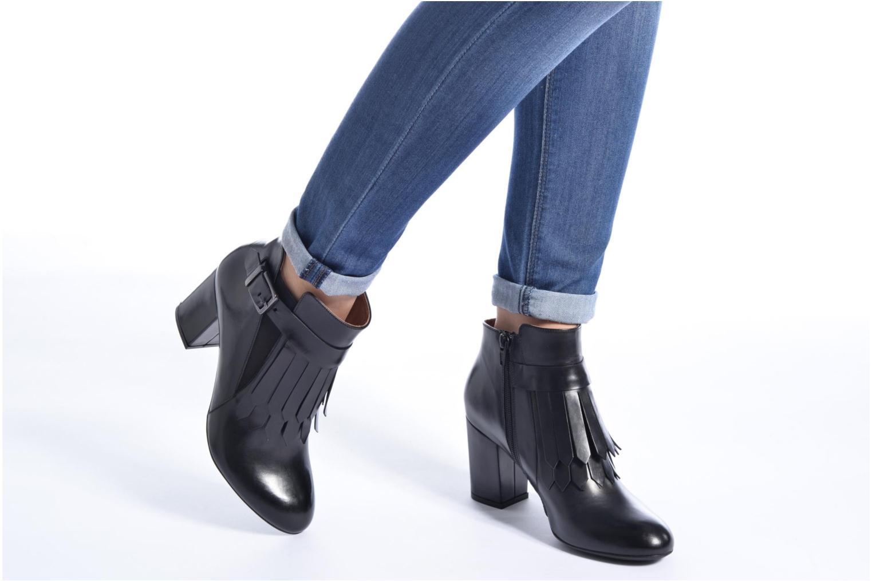 Stiefeletten & Boots Made by SARENZA Queens Cross #3 schwarz ansicht von unten / tasche getragen