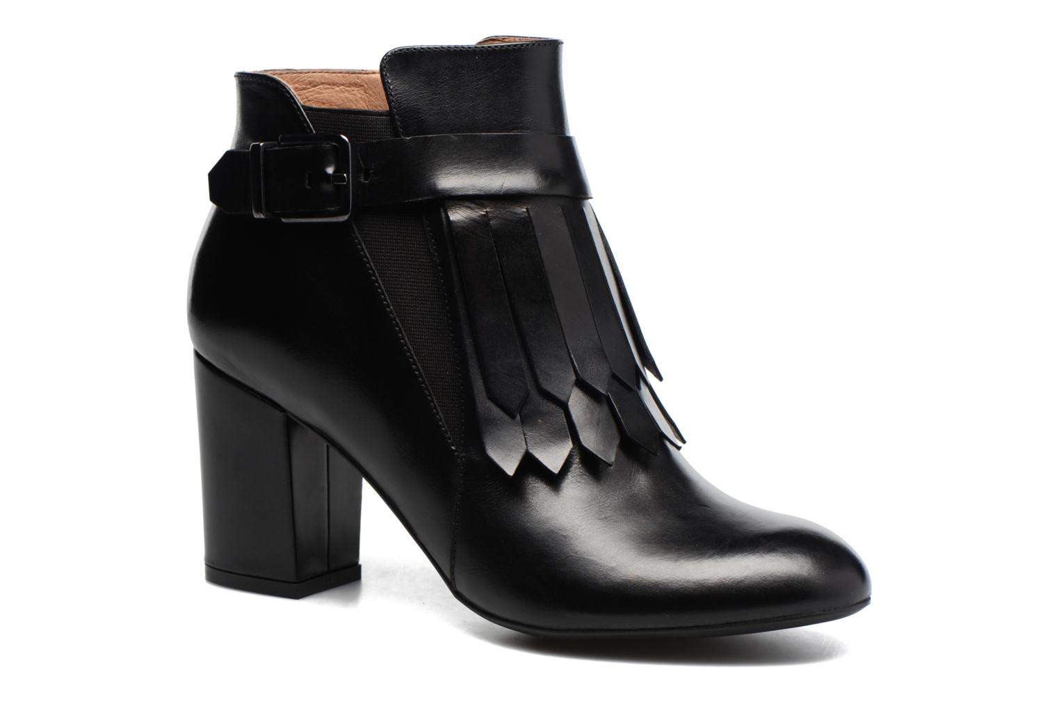 Ankle boots Made by SARENZA Queens Cross #3 Black view from the right