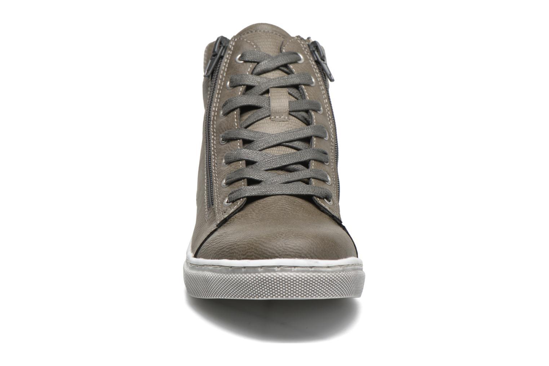 Sneaker Bullboxer Jonas grau schuhe getragen