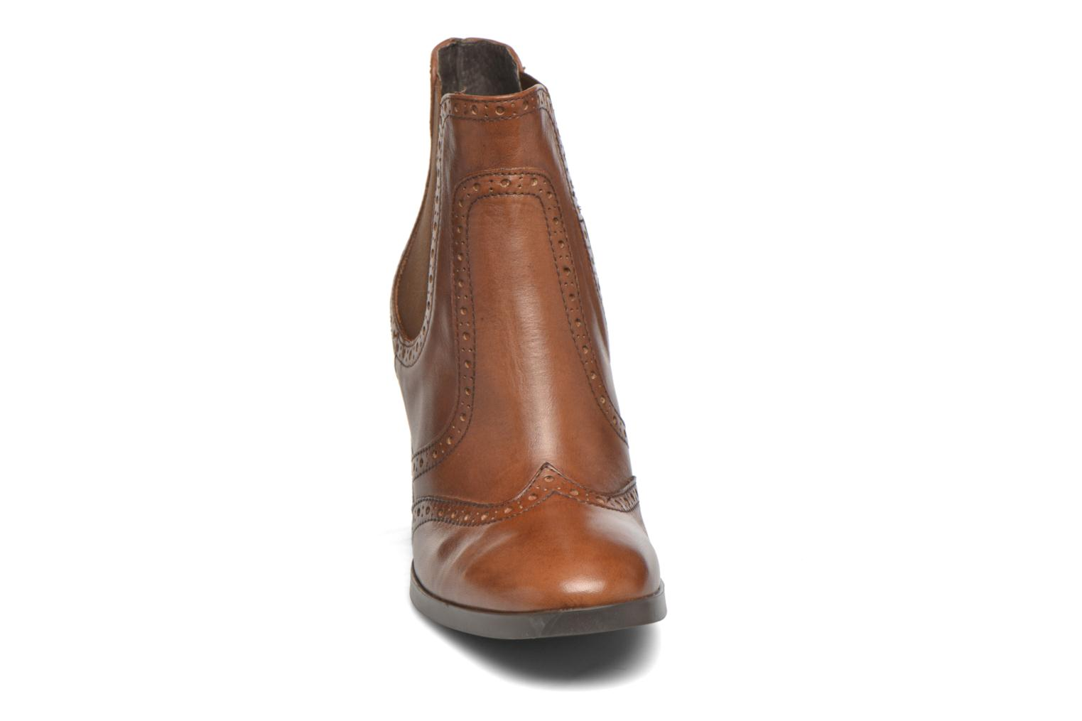Ankle boots Georgia Rose Aberfo Brown model view