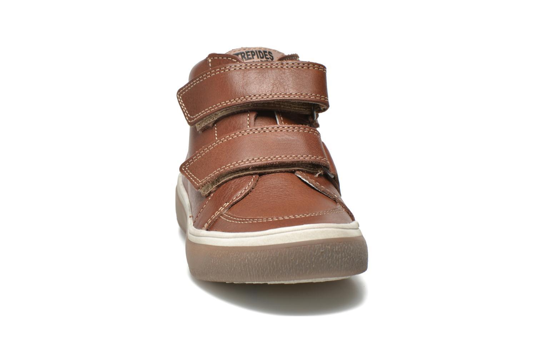 Chaussures à scratch Babybotte Kadreur Marron vue portées chaussures