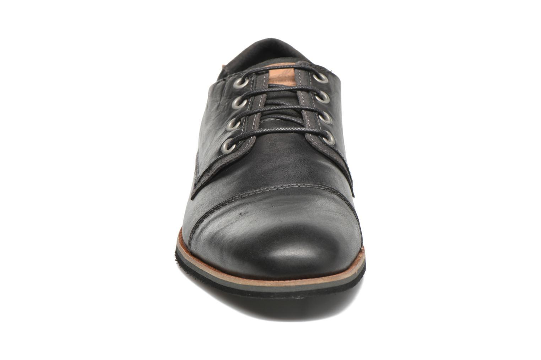 Chaussures à lacets Bullboxer Spiro Noir vue portées chaussures
