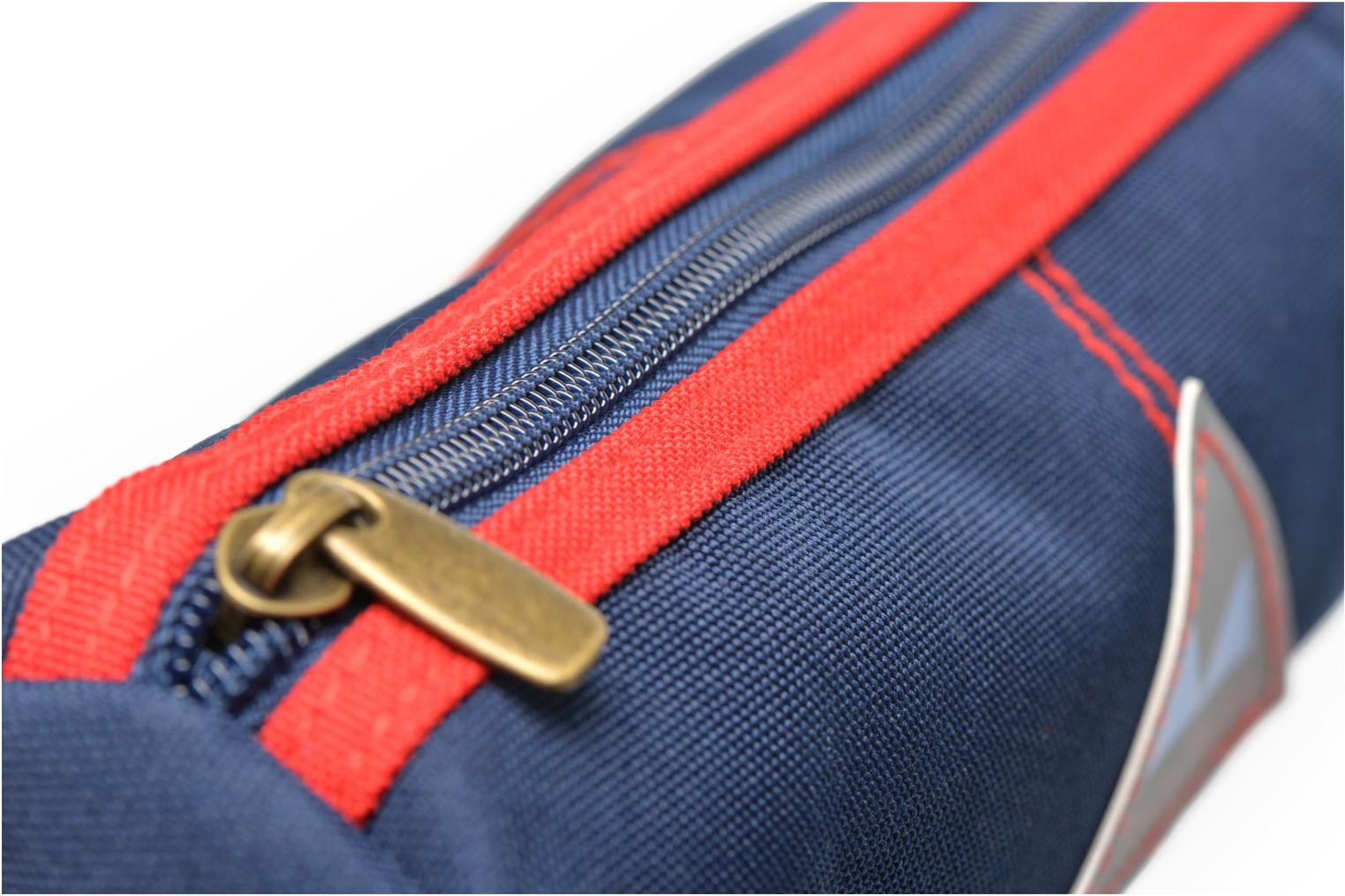 School bags Poids Plume Trousse triangle unie Blue view from the left