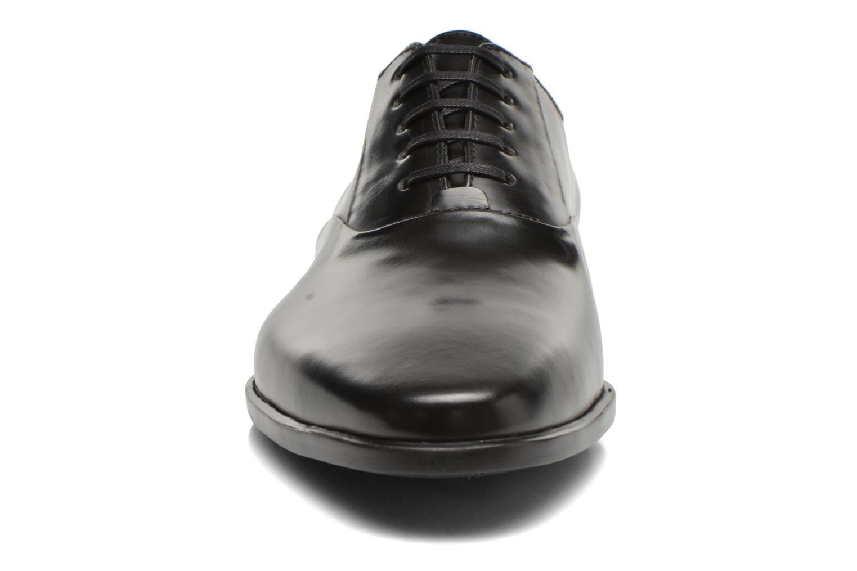 Zapatos con cordones Kenzo Jiminy Negro vista del modelo