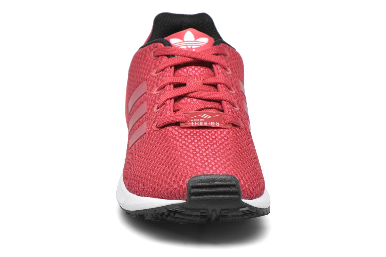 Baskets Adidas Originals Zx Flux C Rouge vue portées chaussures