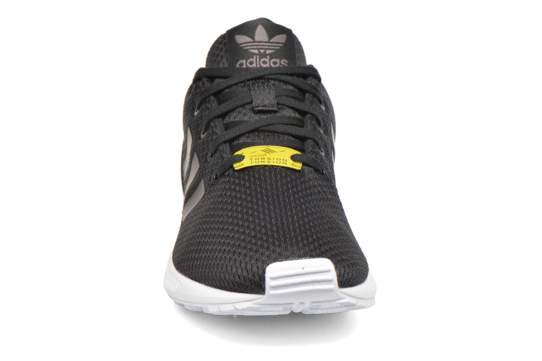Baskets Adidas Originals Zx Flux C Noir vue portées chaussures