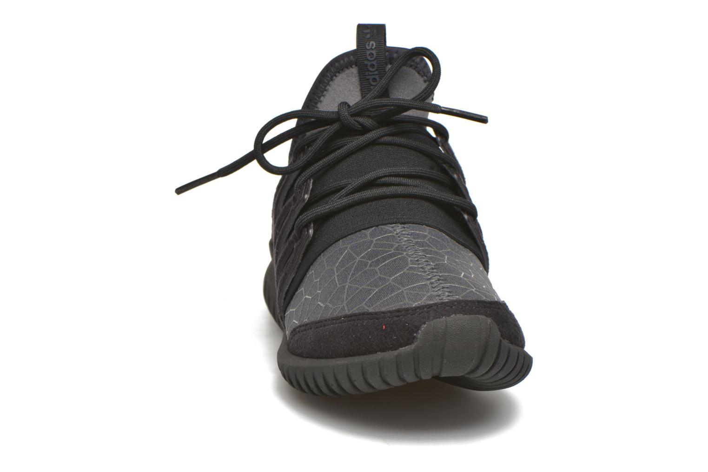 Baskets Adidas Originals Tubular Radial J Noir vue portées chaussures
