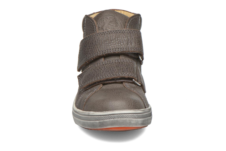 Sneaker GBB Nazaire grau schuhe getragen
