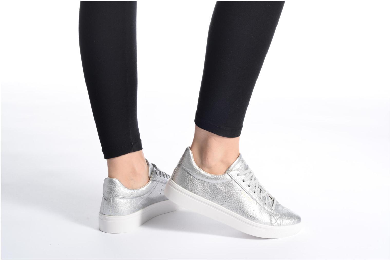 Sneaker Esprit Lizette Lace Up weiß ansicht von unten / tasche getragen