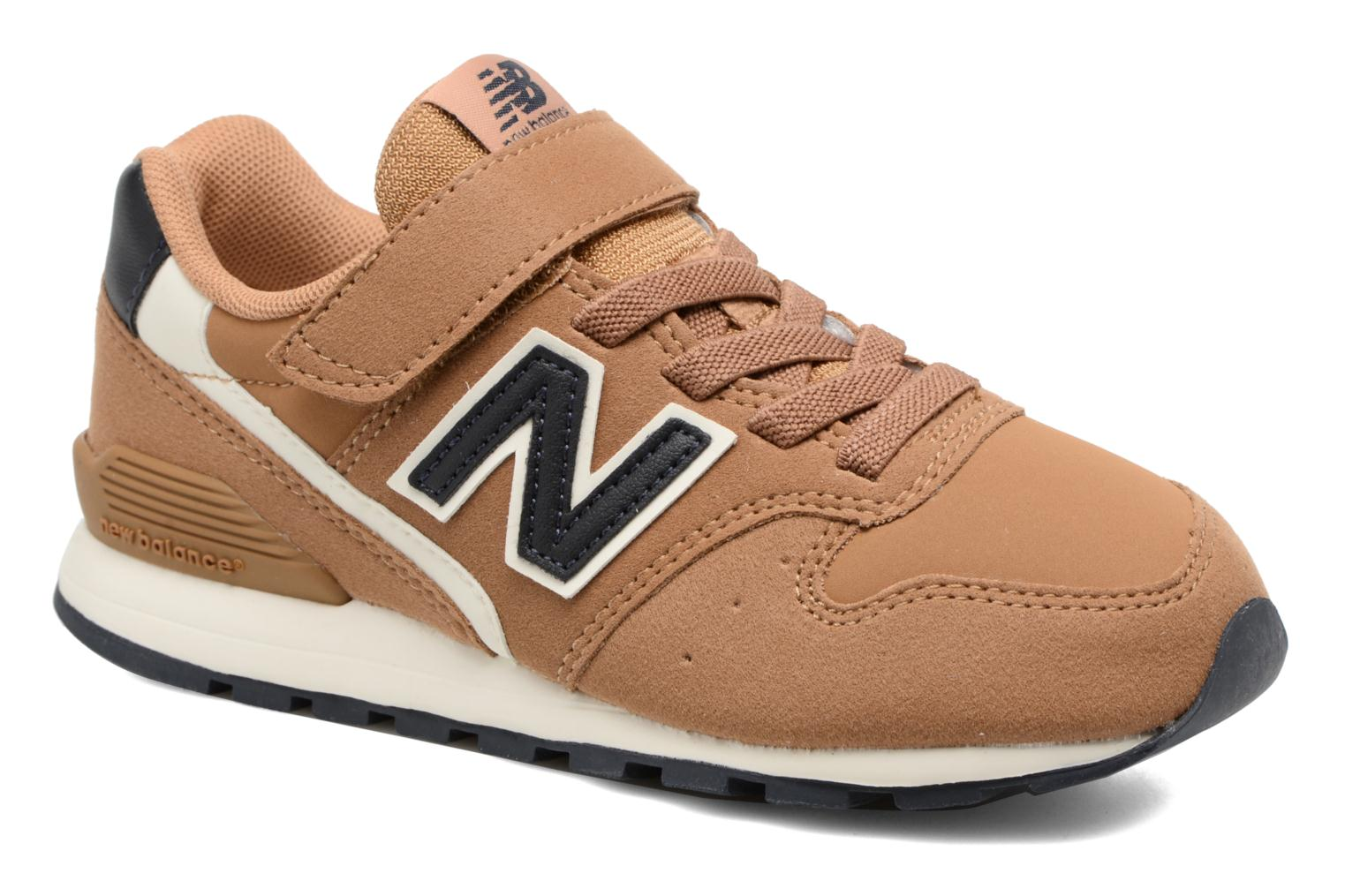 Trainers New Balance KV996 J Brown detailed view/ Pair view