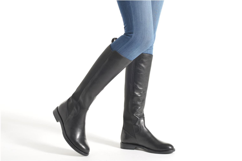 Bottes Vagabond Shoemakers AMINA 4203-301 Noir vue bas / vue portée sac