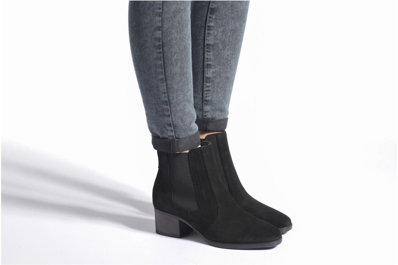 Stiefeletten & Boots Esprit Laurie Bootie schwarz ansicht von unten / tasche getragen