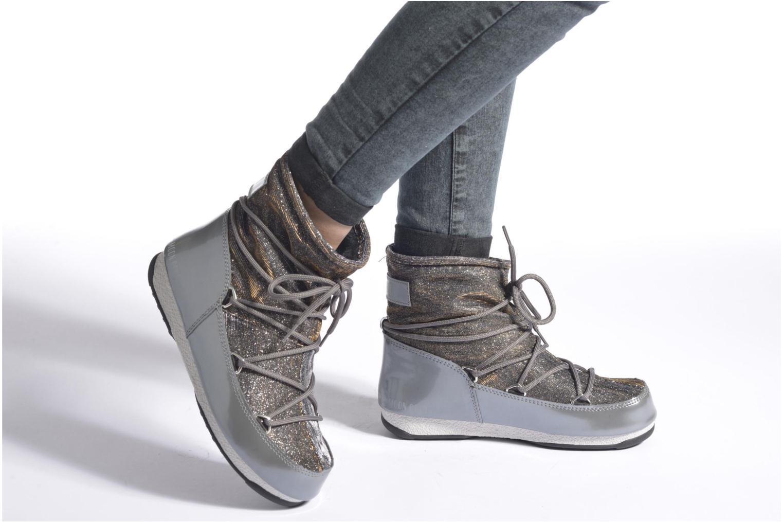 Chaussures de sport Moon Boot Low Lurex Gris vue bas / vue portée sac