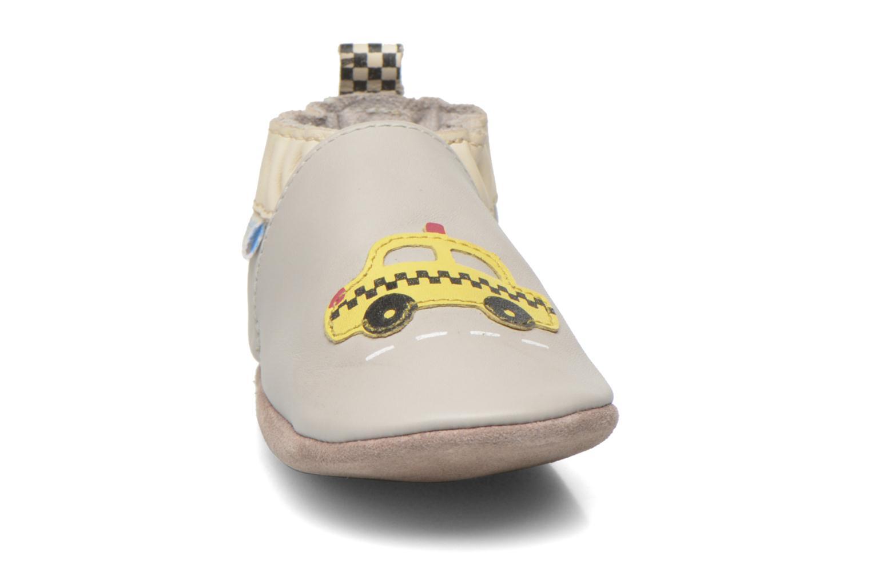 Chaussons Robeez Cab Gris vue portées chaussures
