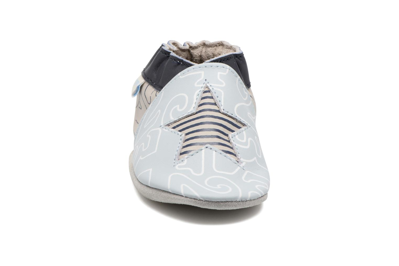 Chaussons Robeez Kindergarten Bleu vue portées chaussures