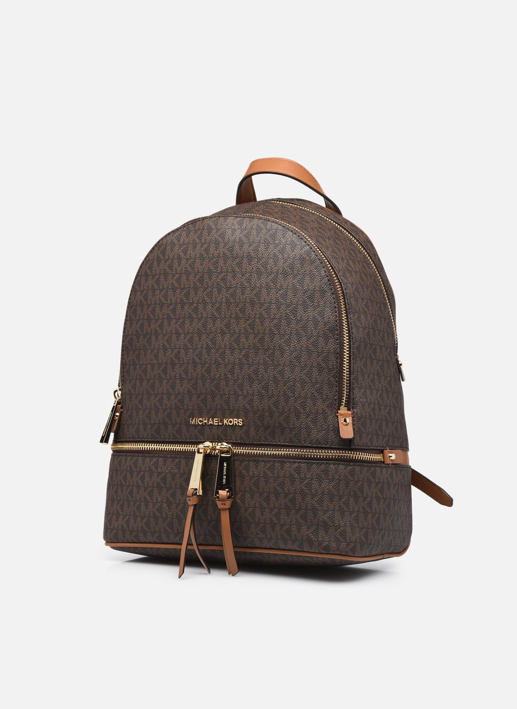 Sacs à dos Michael Michael Kors RHEA ZIP MD Backpack Marron vue portées chaussures