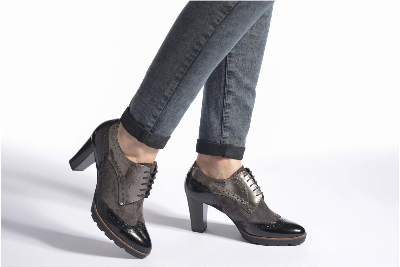 Chaussures à lacets HÖGL Zella Gris vue bas / vue portée sac