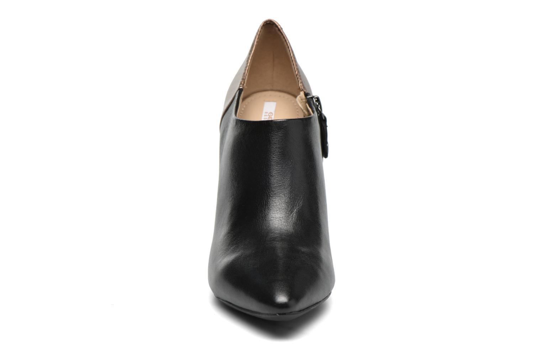 Boots en enkellaarsjes Geox D CAROLINE A D64W1A Zwart model