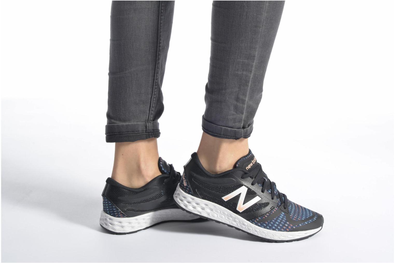 Chaussures de sport New Balance WX822 Noir vue bas / vue portée sac