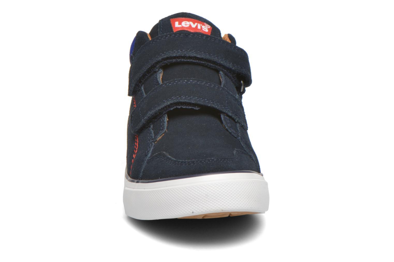 Baskets Levi's Patch Bleu vue portées chaussures