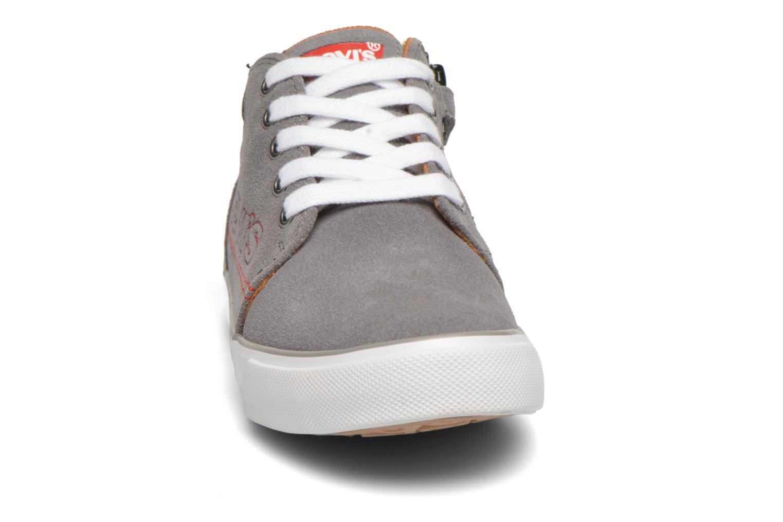 Baskets Levi's Patouch Gris vue portées chaussures