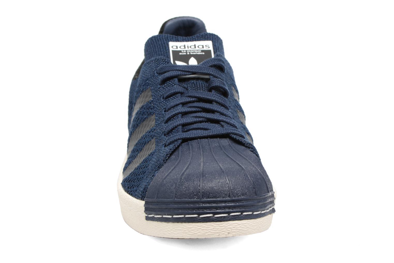 Baskets Adidas Originals Superstar 80S Pk Bleu vue portées chaussures