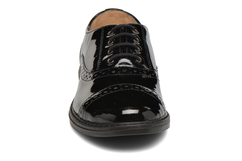 Snøresko Pom d Api City Richelieu Sort se skoene på