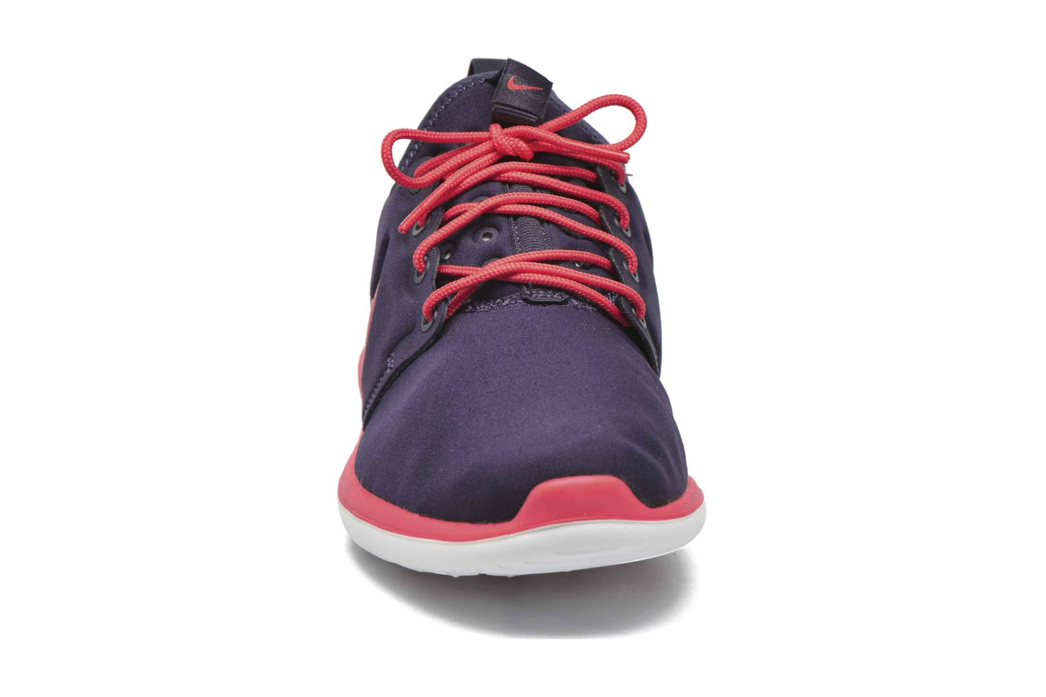 Baskets Nike Nike Roshe Two (Gs) Violet vue portées chaussures