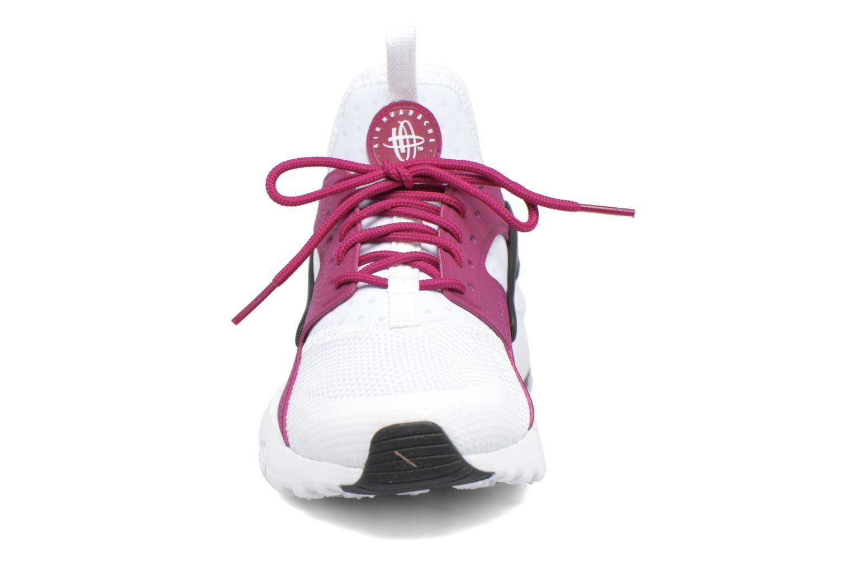 Baskets Nike Nike Air Huarache Run Ultra Gs Blanc vue portées chaussures