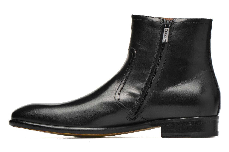 Boots Doucal's Omar Waren Svart bild från framsidan