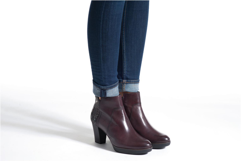 Bottines et boots Tamaris Feijoa Bordeaux vue bas / vue portée sac