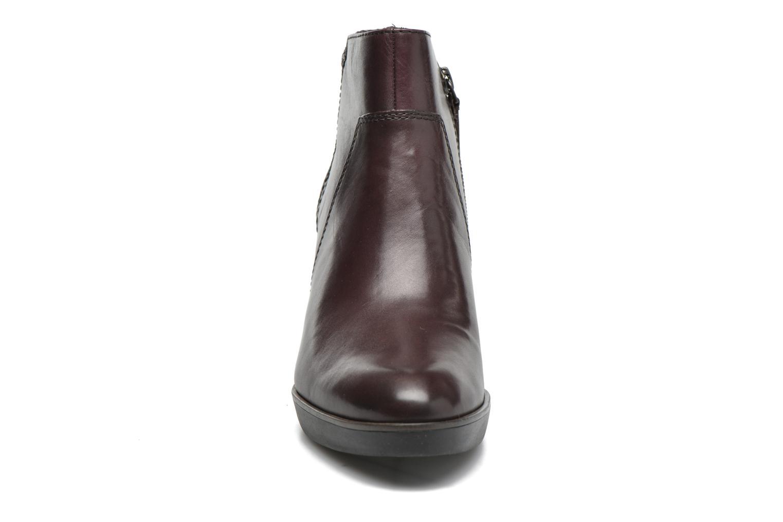 Bottines et boots Tamaris Feijoa Bordeaux vue portées chaussures