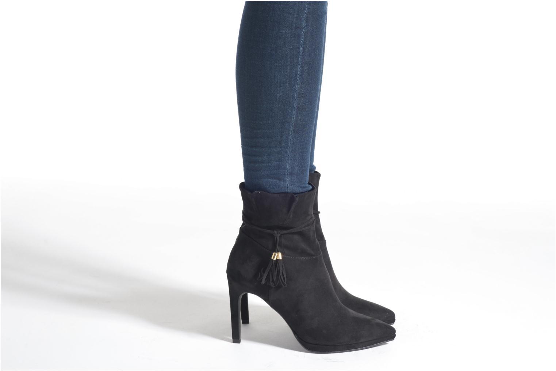 Bottines et boots Tamaris Hoodia Noir vue bas / vue portée sac