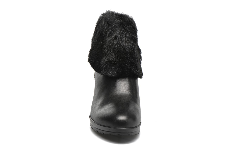 Moraea Black fur
