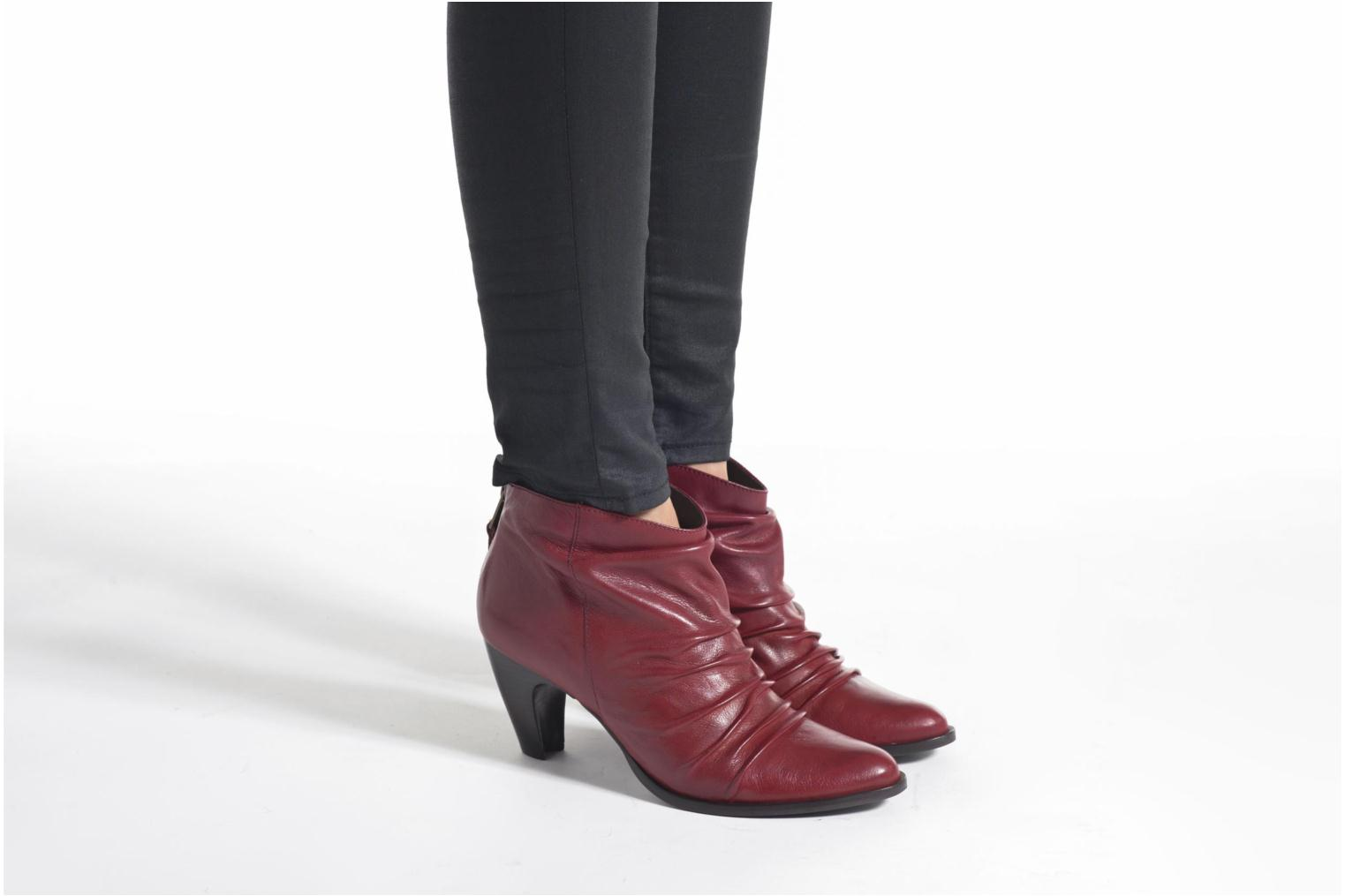 Ankle boots San Marina Macaria Red view from underneath / model view