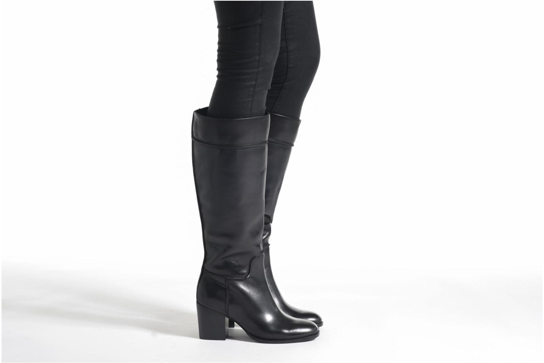 Othea Rose Black leather